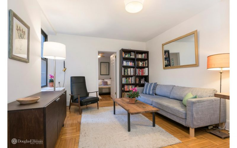 lovely 1 bedroom apartment in brooklyn heights selling for 559 000